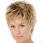 Женская стрижка лесенка – Женская стрижка «лесенка» на средние волосы: 65 фото